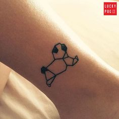 """Cute origami pug tattoo on @evelynhaj  www.luckypug.com  #luckypug #luckypugtattoos #pugtattoo""                                                                                                                                                      Mais"