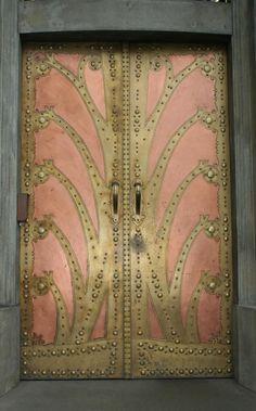 Art Nouveau Porta no Instituto Goethe, em Praga, República Checa -Mlle