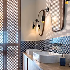 Bathroom lighting ideas for small or large master and guest bathroom. Choose from this article to put together the best bathroom lighting scheme. Bathroom, Small Bathroom, Blue Bathroom, Restroom Remodel, Restroom Design, Bathroom Design, Bathroom Lighting, Shower Room, Parisian Bathroom
