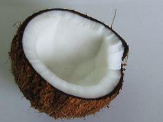 DIY Homemade Coconut Oil Deodorant - WANT!