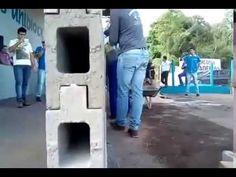 (11) UNIBLOCK O TIJOLO DO FUTURO - YouTube Concrete Wall Panels, Concrete Block Walls, Concrete Molds, Precast Concrete, Concrete Crafts, Brick Pathway, Brick Fence, Interlocking Concrete Blocks, Paver Blocks