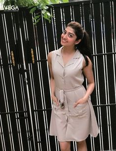 Pranitha Subhash (aka) Pranitha high quality photos stills images & pictures South Indian Actress Photo, Indian Actress Photos, South Actress, Indian Actresses, Cute Beauty, Beauty Full Girl, Most Beautiful Models, Beautiful Actresses, Girl Photo Poses