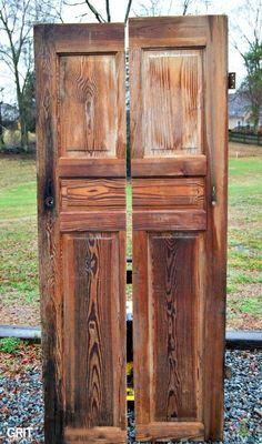 Corner Shelf made with an Old Door, corner door shelf. Diy Flooring, Wooden Doors, Door Shelves, Half Doors, Old Wood Doors, Corner Door, Corner Shelves, Old Wooden Doors, Old Doors