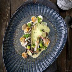 Sous-vide gegaarde lamsfilet met blauwe kaas saus en wortels French Names, Cockles, Sous Vide, Clams, Avocado Toast, Food Inspiration, Let It Be, Breakfast, Desserts