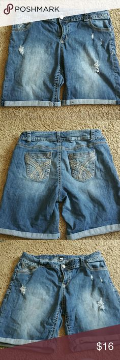 LB Bermuda Shorts Lane Bryant size 16. Very very comfy. 99% cotton, 1% spandex. Was purchased distressed with rips. Length comes just above the knee. Lane Bryant Shorts Bermudas