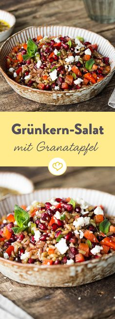 Grünkern-Salat mit Granatapfel, Paprika und Minze The fine nutty taste distinguishes the half-ripe harvested spelled. Together with pomegranate, paprika and mint a satiating summer salad. Grilling Recipes, Lunch Recipes, Summer Recipes, Salad Recipes, Vegetarian Recipes, Dinner Recipes, Healthy Recipes, Eggplant Dishes, Grenade