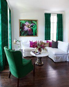 Emerald green living room ideas white and emerald living room with art space decor home interior design elegant emerald green sofa living room ideas Living Room Green, Living Room Decor, Decoration Bedroom, My New Room, Home Interior Design, Room Inspiration, Interior Inspiration, Bar Cart, Hot Pink