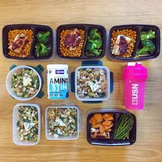 #MealPrepMonday not Sunday today. I've gone a little bit bro this week after a weekend of absolute and utter indulgence. All the walking and hiking but also all of the food and quite a few pints! So meal prep for the week is super healthy super tasty and a bit bro with a twist: 1. Harissa-baked whitefish with spicy chickpeas and steamed broccoli. 2. Tuna with courgettes green beans baby pearl onions and low-fat blue cheese. 3. More harissa-baked whitefish with sweet potato and asparagus. 4…