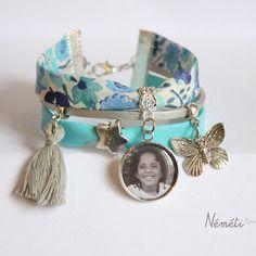 Bracelet liberty bleu argenté, pompon, médaille photo (ou prénom, texte) personnalisable, papillon et étoile