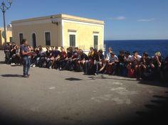 Fabio Polidoro introduce il campo scuola a Piazza Chiesa. #camposcuola
