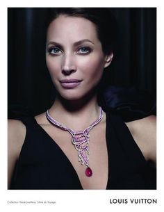 Supermodel Christy Turlington fronts the Autumn/Winter Louis Vuitton Jewellery campaign shot by Steven Meisel. Jewelry Ads, Fall Jewelry, High Jewelry, Jewellery, Jewelry Model, Christy Turlington, Steven Meisel, Doutzen Kroes, Bijoux Louis Vuitton