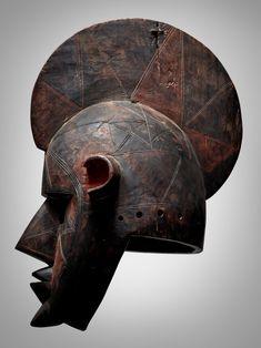 Bobo Helmet Mask, Burkina Faso   Sculpture from the Collection of Martin and Faith-Dorian Wright2021   Sotheby's Helmet, Auction, Skull, Faith, Sculpture, November 8, Collection, York, Paris