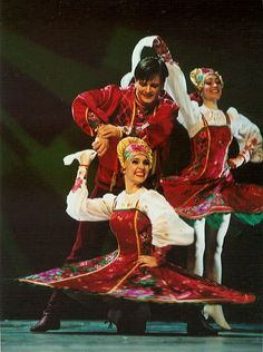 Russia+dancing | National Ballet of Russia Kostroma. Click to enlarge