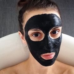 In a small bowl mix together  2 tsp water  1/2 tsp bentonite clay powder  2 capsules activated charcoal  Mix with a fan brush and apply to face with a fan brush. Let sit for 5-10 minutes. Wash face with warm water and then splash with cold.  This mask is great for cleaning out your pores.
