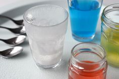 Impressionnez vos amis en changeant l'eau en... eau colorée !