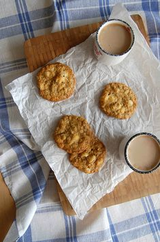 Macadamia and white chocolate chip cookies / Cookies de chocolate branco e macadâmia - technicolor kitchen