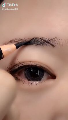 Nose Makeup, Eyebrow Makeup Tips, Makeup Looks Tutorial, Smokey Eye Makeup Tutorial, Eye Makeup Steps, Eye Makeup Brushes, Eye Makeup Art, Contour Makeup, Skin Makeup