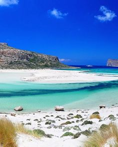 Amazing picturesque beach in Crete, Greece Vacation Places, Dream Vacations, Places To Travel, Places To See, Vacation Ideas, Sierra Nevada, Portsmouth, Beach Fun, Beach Trip