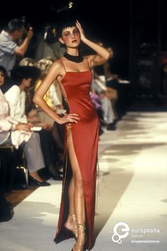 Christian Dior, Autumn-Winter 1997, Womenswear on www.europeanafashion.eu