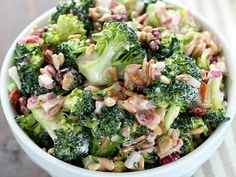 Jam Hands: Bodacious Broccoli Salad, use sour cream or Greek yogurt instead of so much mayo Apple Salad Recipes, Salad Recipes Video, Healthy Salad Recipes, Sour Cream, Fresco, Apple Fritter Bread, Italian Chopped Salad, How To Cook Quinoa, Vegetable Salad