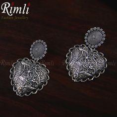 Bold & beautiful! . #lightweight . . . #rimliboutique #earrings #oxidisedjewellery #filigree #statementearrings #lightweightearrings #silver #sustainablefashion #indian #everydayfashion #tribaljewelry #everydayearrings #bohojewelry #indianjewellery #indiantribe #gypsystyle #fashionaccessories #fashionearrings #bigearrings Big Earrings, Statement Earrings, Tribal Jewelry, Boho Jewelry, Fashion Earrings, Fashion Jewelry, Indian Tribes, Oxidised Jewellery, Gypsy Style