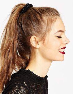 Imagen 1 de Lazo para el pelo con cuentas de ASOS