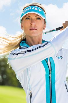 For a female golfer to feel at ease and confident throughout the golf course, you simply must wear women's golf apparel. A wide variety of women's golf apparel Womens Golf Wear, Golf Fashion, Play Golf, Golf Outfit, Ladies Golf, Golf Tips, Comfortable Outfits, Lady, Windbreaker