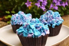 Blue and lilac hydrangea cupcake - chocolate and mascarpone frosting