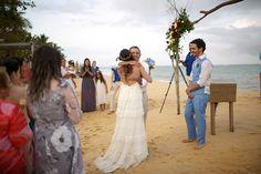 Um Casamento Na Praia Com Pegada Rústico-Chique E Muito Intimista. Veja Todos Os Detalhes!