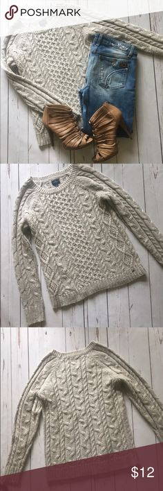 Comfy Cream Sweater! Comfy Cream Sweater! Even thou is Summer isn't never too early to get your fall wardrobe together! Get this great deal before fall clothing is all the rage! American Eagle Outfitters Sweaters Crew & Scoop Necks