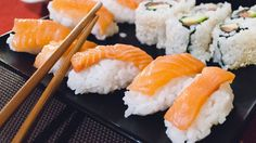 Tip Of The Week: How To Eat Sushi The Right Way | Yummy.ph