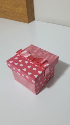 Caixa mdf revestida em tecido 100% algodão.  Tamanho 7x7x5.