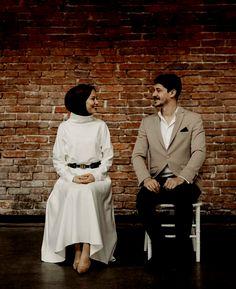 156 best couple wedding dreses – page 1 Pre Wedding Poses, Pre Wedding Photoshoot, Wedding Couples, Cute Muslim Couples, Muslim Girls, Couple Photography Poses, Bridal Photography, Prewedding Hijab, Muslimah Wedding