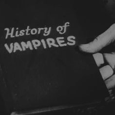 White Aesthetic, Aesthetic Grunge, Twilight, Different Aesthetics, Carmilla, Dracula, Vampire Diaries, Aesthetic Wallpapers, Just In Case