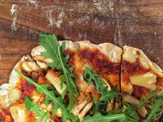 Pizzapohja ja nopea tomaattikastike - Kotikokki.net - reseptit