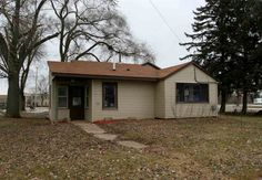 1158 E Bluff Rd  Whitewater , WI  53190  - $104,900  #WhitewaterWI #WhitewaterWIRealEstate Click for more pics