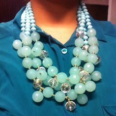 llévatelo por $250 incluye aretes  hacemos envíos nacionales ✈️ #accesorios #rosacarminio #accesories #glamour #trendy #collares #venta #necklace #sale #mexico www.facebook.com/rosacarminio