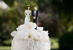 18 Secrets Guys Wish You Knew (Relationship Secrets Guys) Marriage Relationship, Love And Marriage, Groom And Groomsmen, Bride Groom, Bridesmaids And Mother Of The Bride, Oh Beautiful, Good Mental Health, Wedding Cake Decorations, Married Men