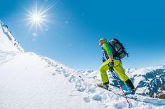 Das Aktiv-Programm im Schnee: Drei Schneeschuh-Touren – und das jede Woche, dazu Langlaufen, Rodeln und Skifahren. - Wanderhotel Kirchner #funinthesnow #urlaubindenbergen #genuss #imfreien