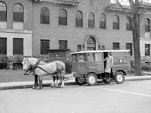 A horse-drawn dairy delivery vehicle in Montreal, Quebec in 1942 Horse Drawn Wagon, Black And White Pictures, New York City, Dairy, Photos, Horses, Vehicles, Montreal Quebec, Plant