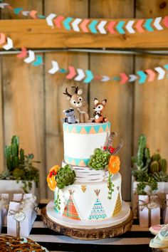 Love this woodland birthday party cake! cute for birthday Lila Party, Baby Party, Fox Party, Animal Party, Baby Birthday, 1st Birthday Parties, Free Birthday, Birthday Ideas, Camping Birthday Cake