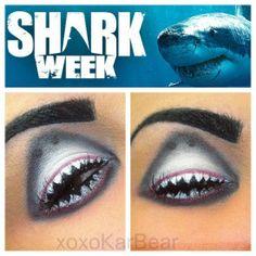 Do you like this delightful eye makeup idea?