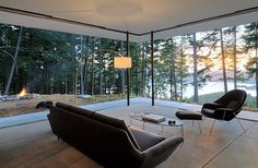 Breathtaking scenery outside becomes the canvas for the open living room 50 Minimalist Living Room Ideas For A Stunning Modern Home Minimalist Home Decor, Minimalist Living, Minimalist Interior, Minimalist Bedroom, Modern Minimalist, Orcas Island, Island 2, Deco Design, Modern Room