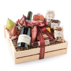 Wine Basket Gift Ideas Discover Sites-HickoryFarms-Site Hickory Farms Toast the TraditionsHickory Farms Toast the Traditions Best Gift Baskets, Wine Gift Baskets, Basket Gift, Wine Gift Boxes, Wine Gifts, Christmas Gift Baskets, Diy Christmas Gifts, Gourmet Gifts, Food Gifts