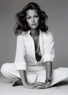 Known for her gapped tooth smile, Lauren Hutton was a supermodel and actress. Signing a Revlon cosmetics deal in 1974, she was seen hanging out at Studio 54 with Bianca Jagger in men's shirts, a blazer and trilby hat.