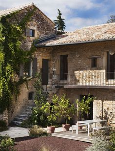 The Maison Ulysse. he Maison Ulysse is a guest house worthy of barons. The Maison Ulysse is the perfect place to get away from the normal busy day. Future House, My House, Terrace Decor, Italian Home, Italian Cottage, Italian Villa, Mediterranean Homes, Stone Houses, Rock Houses