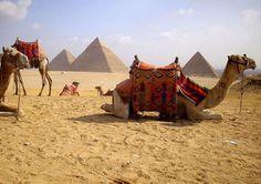 las tres Pirámide de Keops, Kefrén y Micerino