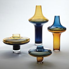 Global Views Low Amber over Cobalt Vase on sale. Each of these remarkable art glass pieces is composed of a separate base and lid - one amber and one cobalt. Cool Ideas, Diy Ideas, Home Decor Accessories, Decorative Accessories, Candle Accessories, Accessories Online, Interior Art Nouveau, Le Living, Vase Transparent