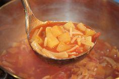 Zuppa di pasta e patate al pomodoro