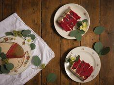 Red velvet Törtchen mit Mandeln, Zimt und Kirschen